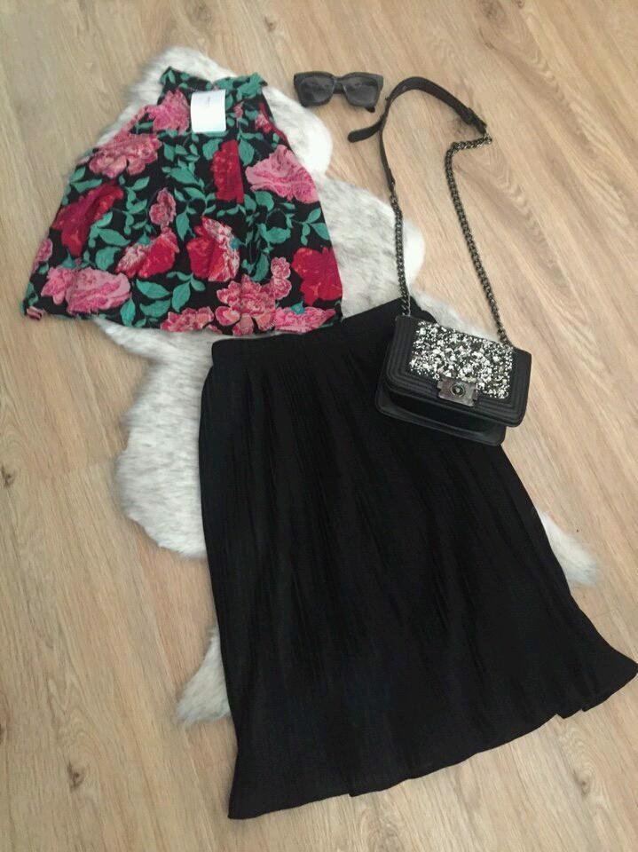 Set áo yếm kèm chân váy dập li SET032