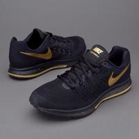 giày Nike Zoom Pegasus 33 LE BG Black and Gold 880103-007