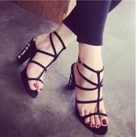 giày gót vuông dây nhuyễn