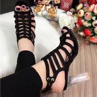 giày gót vuông đan dây