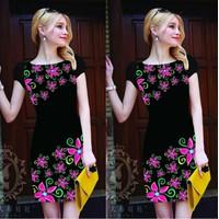 Đầm suông in hoa 3D