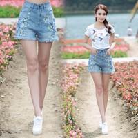 Quần shorts Jean thêu lưng cao nhã nhặn - QS019