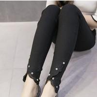 Quần Jeans Thun Skinny trắng chân ren