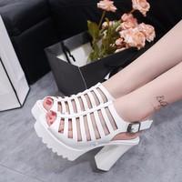 Giày sandal đế vuông xương cá dây hậu màu trắng