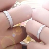 nhẫn đôi phun kum tuyen