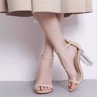 Giày sandal cao gót vuông đế trong