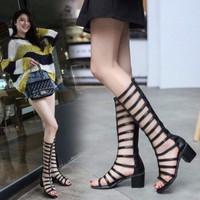 Giày sandal chiến binh đế vuông dưới gối