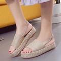 giày bánh mì quai ngang