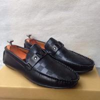 Giày lười nam ca rô đen khóa ngang