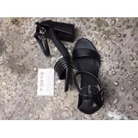 Giày cao gót đế vuông HU7982