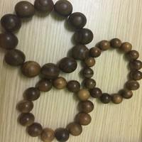 Vòng tay gỗ Bách xanh cao cấp hạt 18mm