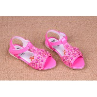 Sandal bé gái hoa nhỏ màu hồng đậm