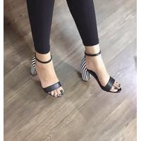 giày gót vuông phối sọc