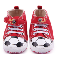 Giày bóng đá cho bé tập đi
