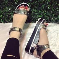 giày sandal bánh mì cho nữ