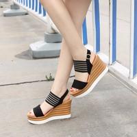 Giày sandal đế xuồng H.Q CK250