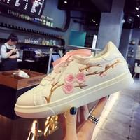 Giày thể thao nữ thêu hoa hàng nhập - LN1384