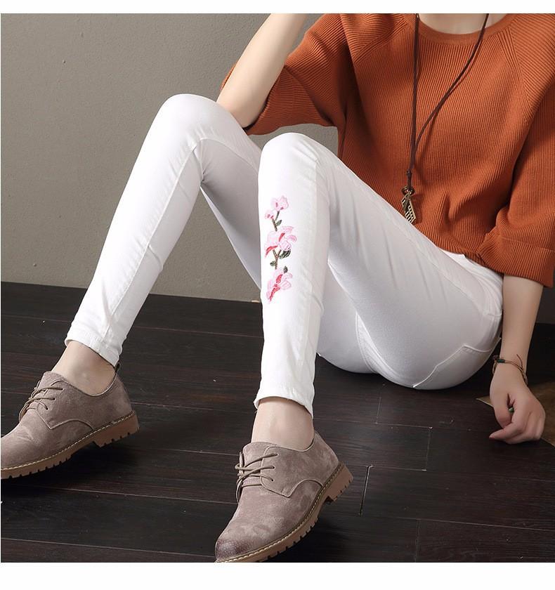 quan-legging-cotton-dinh-hoa-tiet-tb0425-4