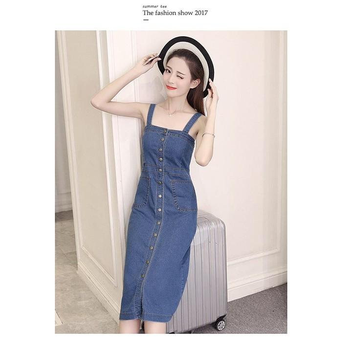 Đầm jean form dài 2 dây cài nút cách điệu phối túi sang trọng