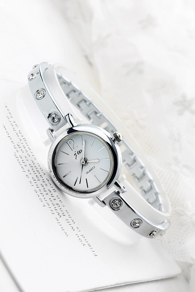 Đồng hồ JW mặt tròn đính hạt