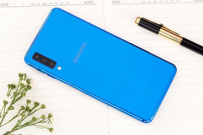 Đánh giá điện thoại Samsung Galaxy A7 2018 128GB