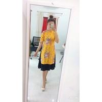 áo dài kèm chân váy
