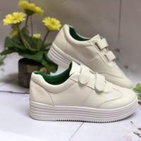 Giày bata dán của nữ trắng
