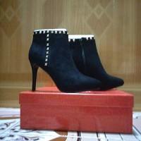 giày bốt đính đá