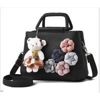 Túi xách tay nữ hoa trà kèm gấu