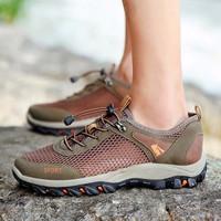 Giày đi phượt Đi mưa