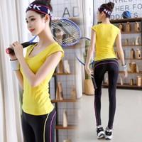 BT8282 - Bộ tập nữ áo tay ngắn và quần dài - giá 790k