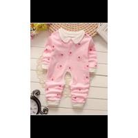 Quần áo bé sơ sinh 0- 9 tháng
