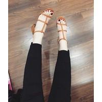 giày sandan gót vuông
