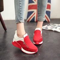 Giày bata sắc màu