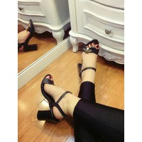 giày gót vuông 5f