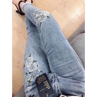 quần jean nữ thêu hoa