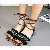 Giày sandal bệt quai ngang thổ cẩm