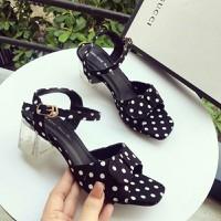 Giày sandal cao gót chấm bi xinh