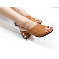 giày sandal gót vuông