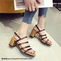giày gót vuông