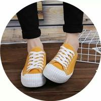 giày bata cột dây