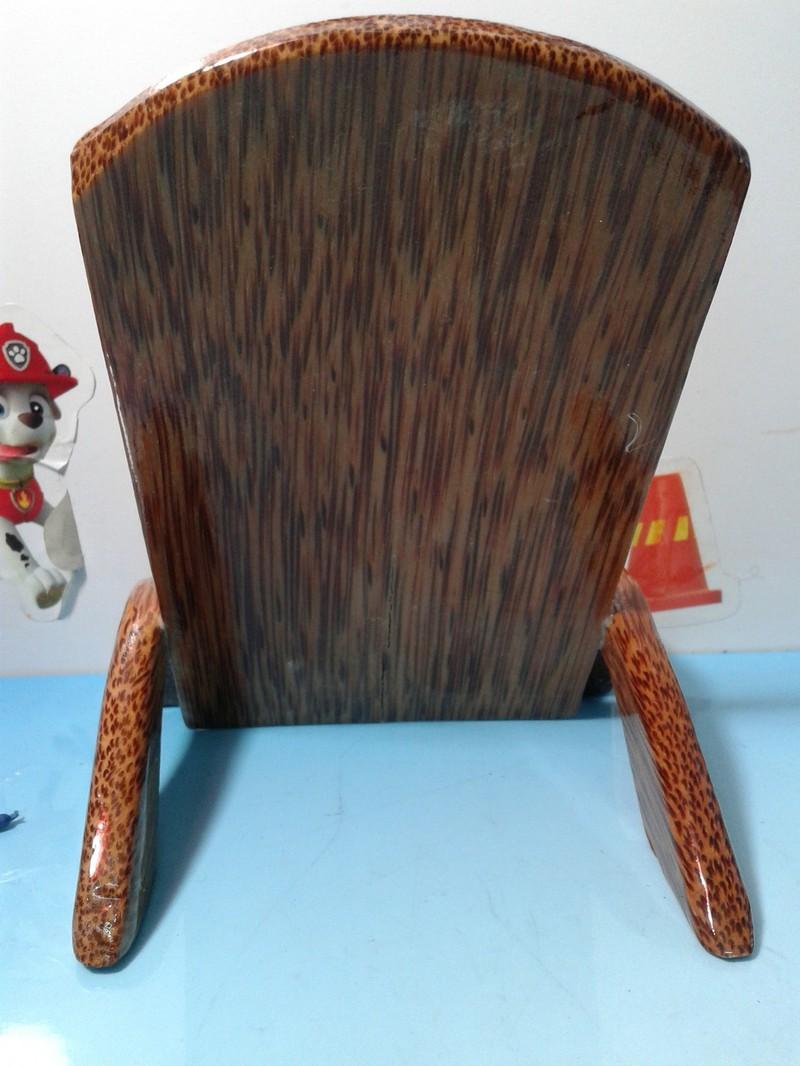 Giá đỡ điện thoại bằng gỗ dừa mĩ nghệ