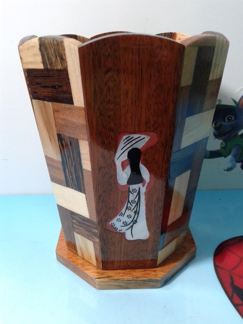 Ly cắm bút bằng gỗ dừa ghép nhiều màu, lạ mắt