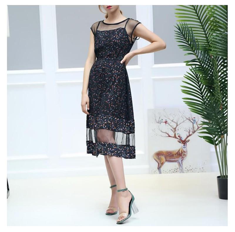 Đầm maxi đen họa tiết hoa phối lưới