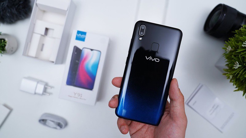 Thiết kế mặt lưng điện thoại Vivo Y91 chính hãng