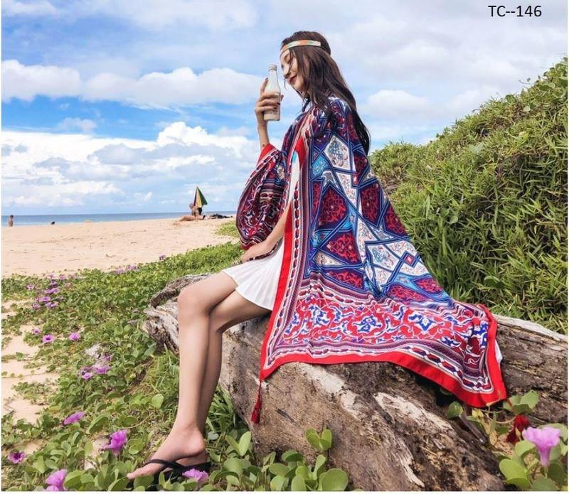 Khăn choàng cổ đi biển thời trang