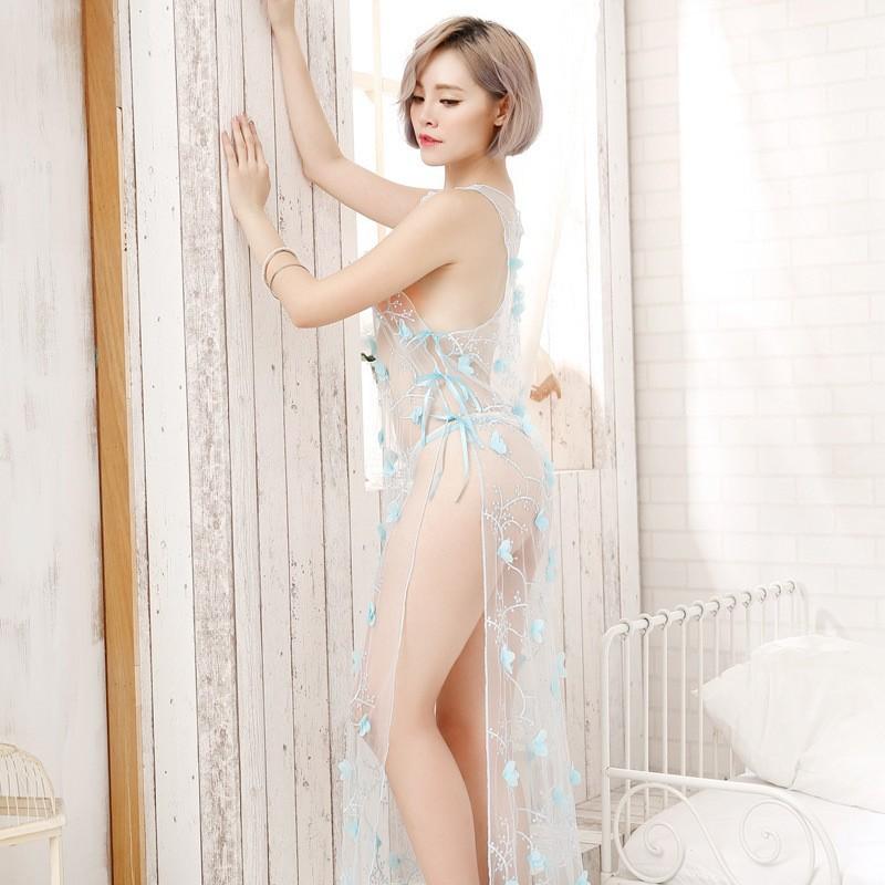 Váy voan siêu mỏng xẻ tà dài