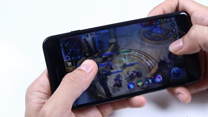Liên Quân là một game dễ dàng với iPhone 7 Plus