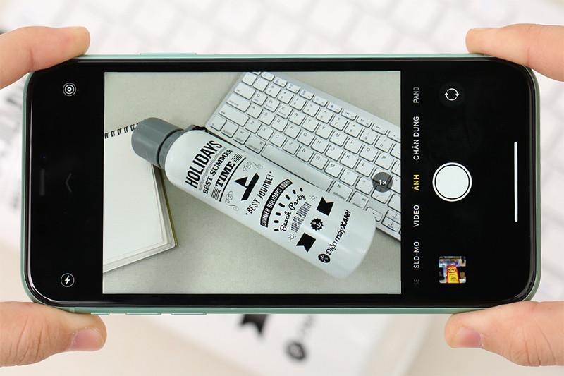 Điện thoại iPhone 11 128GB | Giao diện chụp ảnh