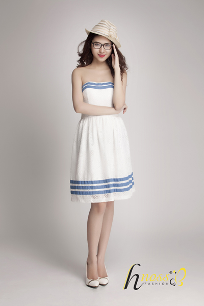 Đầm ren cúp ngực